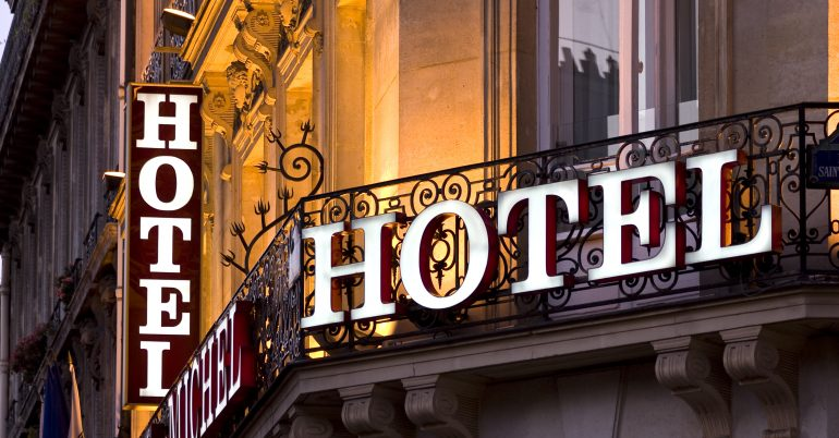 Hotel owners can save on energy costs; use a consultant!